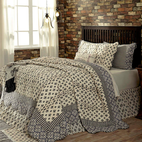 Elysee Luxury King Quilt 120Wx105L - Woodrol