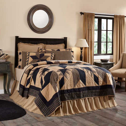 Dakota Star Luxury King Quilt 120Wx105L - Woodrol