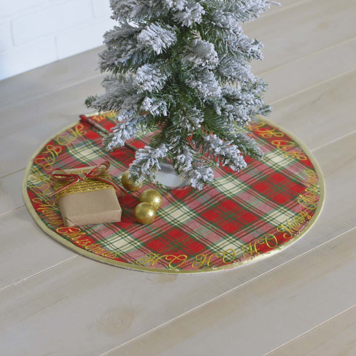 HO HO Holiday Mini Tree Skirt 21 - Woodrol