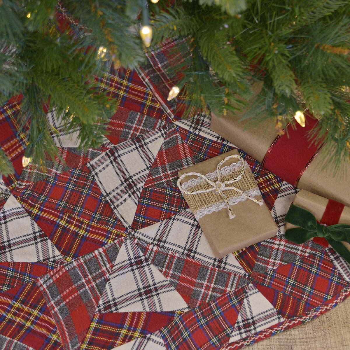 Peyton Tree Skirt 48 - Woodrol