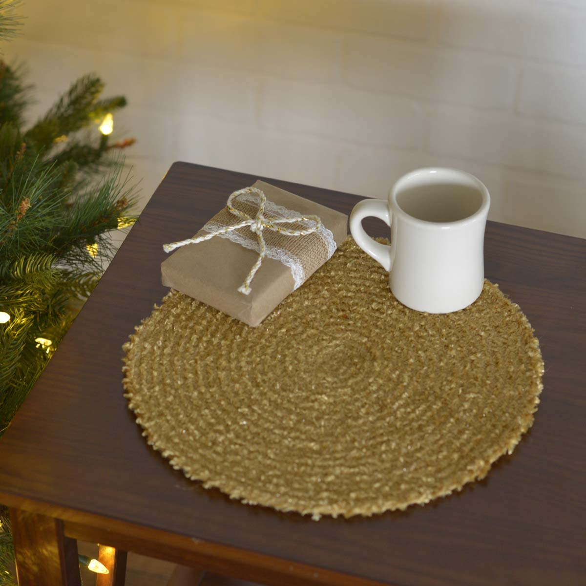 "Dyani Gold 13"" Tablemat Set of 6 - Woodrol"