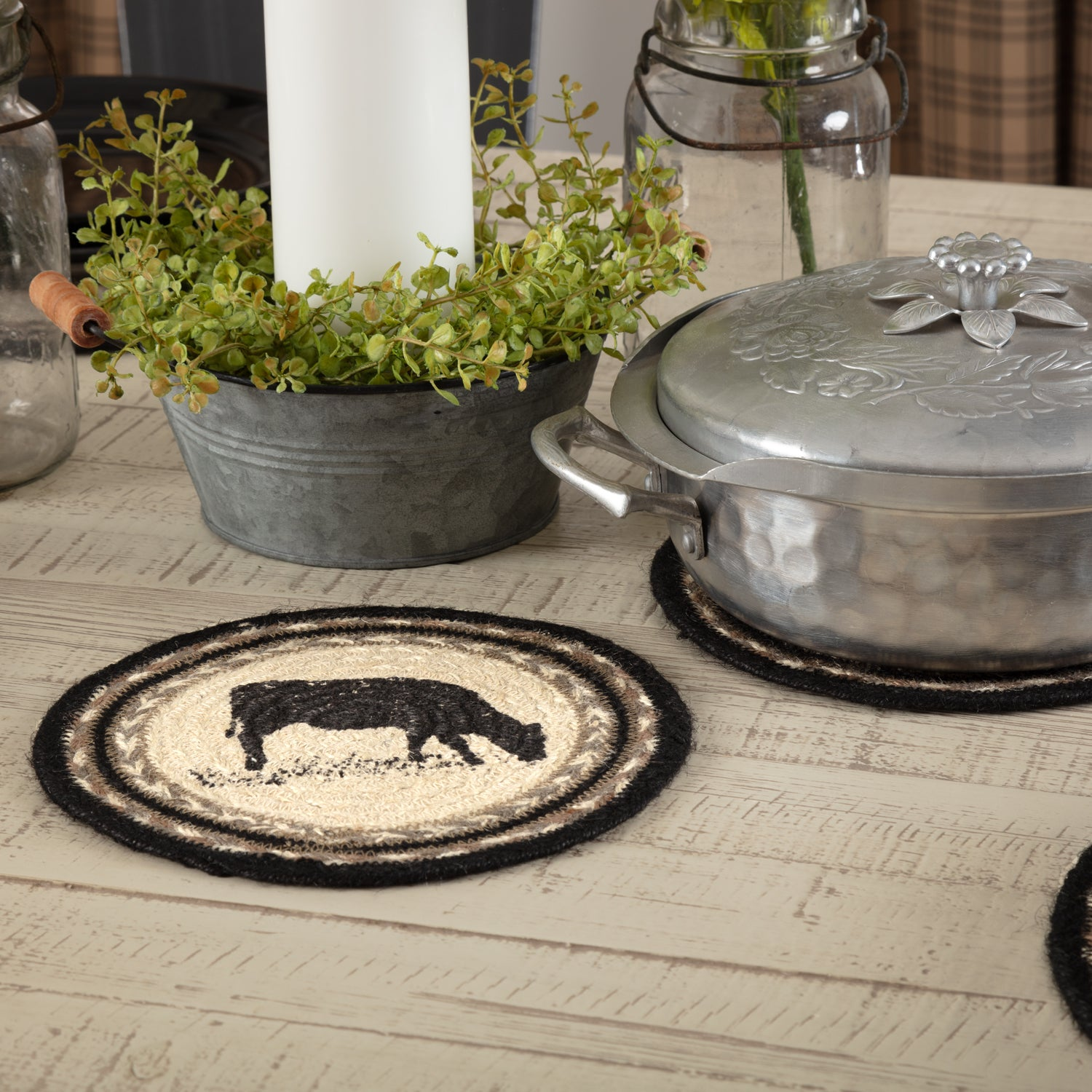 Sawyer Mill Charcoal Cow Jute Trivet 8 - Woodrol