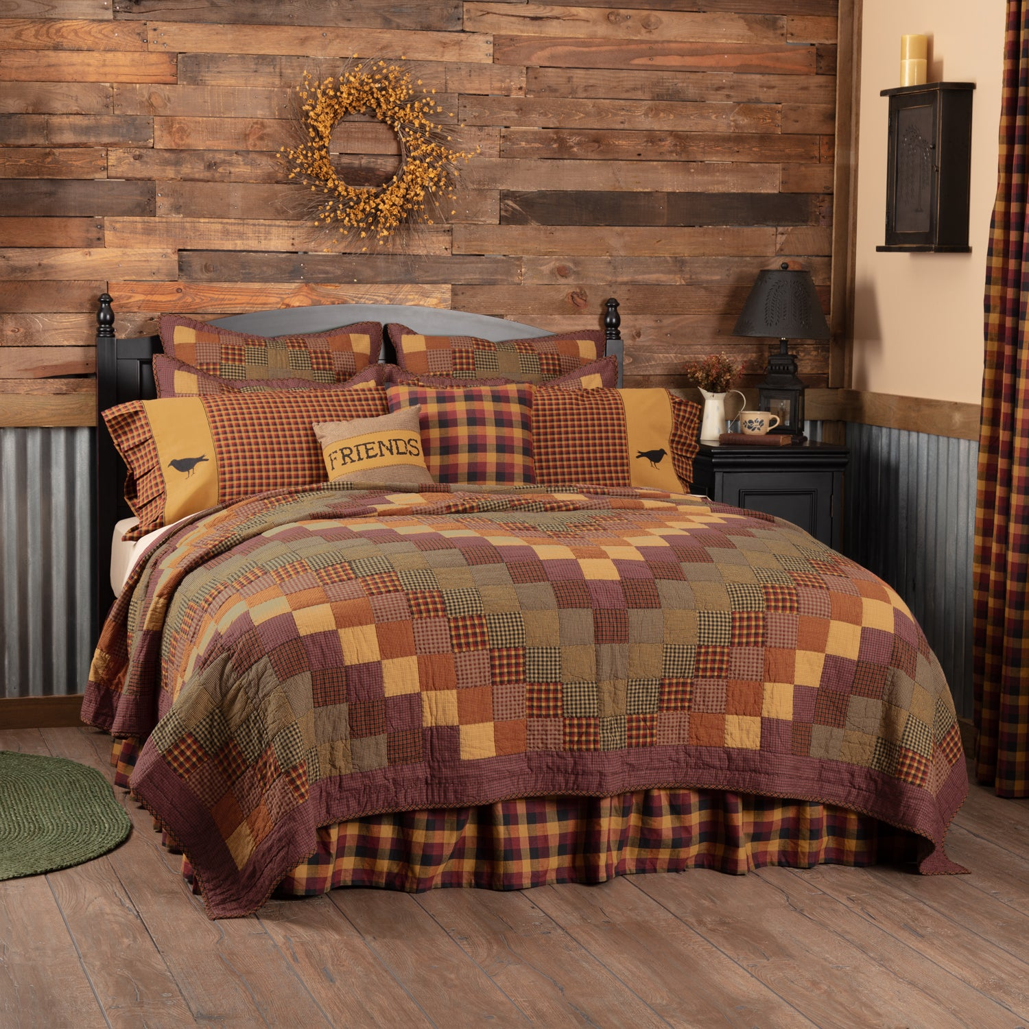 Heritage Farms Queen Quilt 90Wx90L - Woodrol