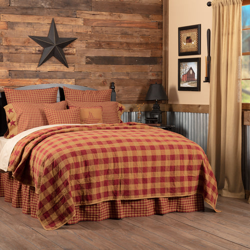 Burgundy Check Queen Quilt Coverlet 90Wx90L