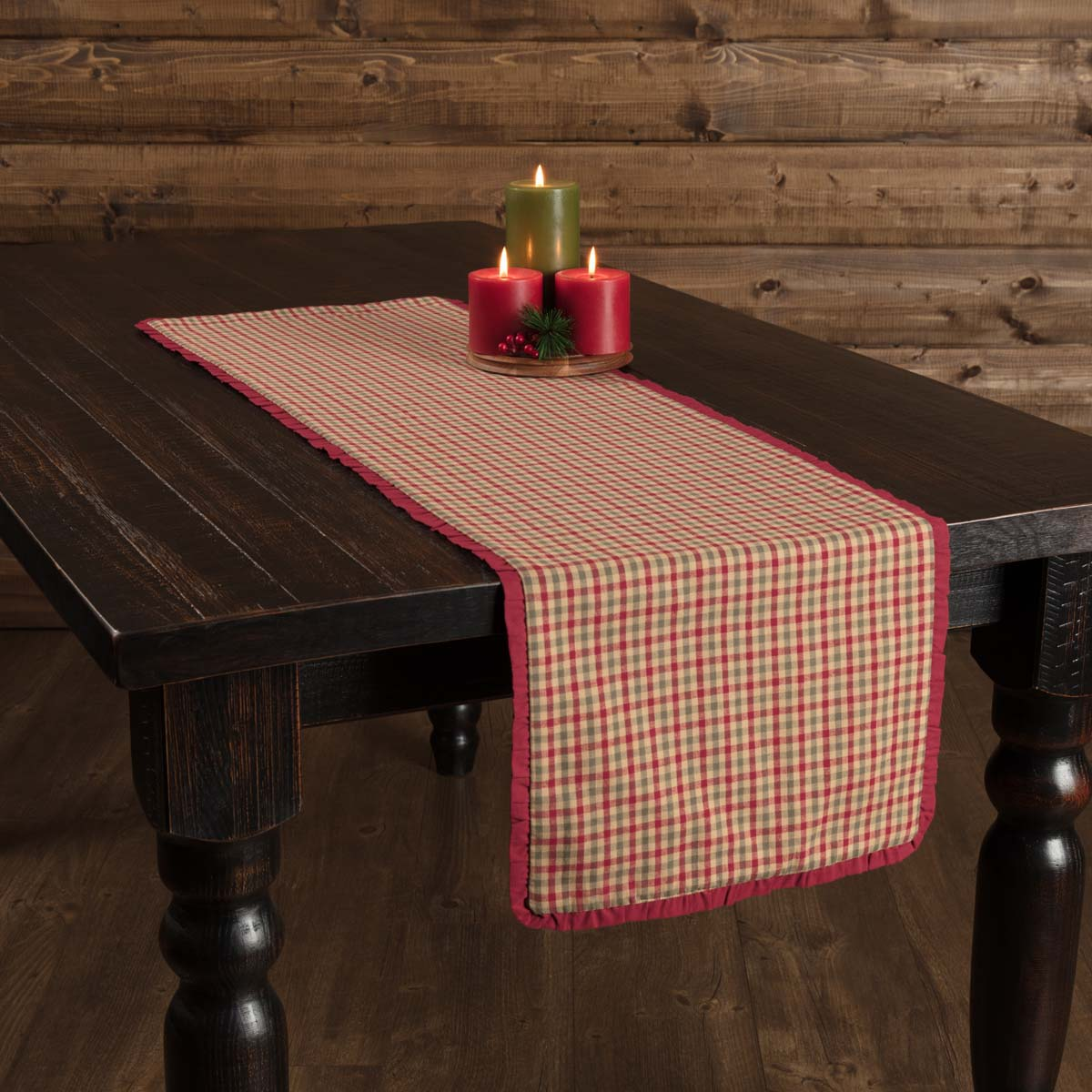 Jonathan Plaid Ruffled Runner 13x48 - Woodrol