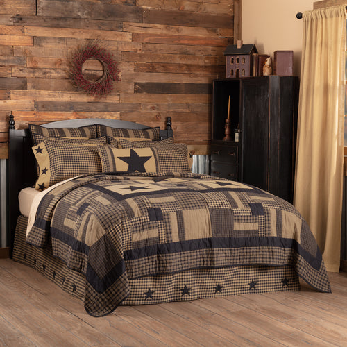 Black Check Star Luxury King Quilt 120Wx105L - Woodrol