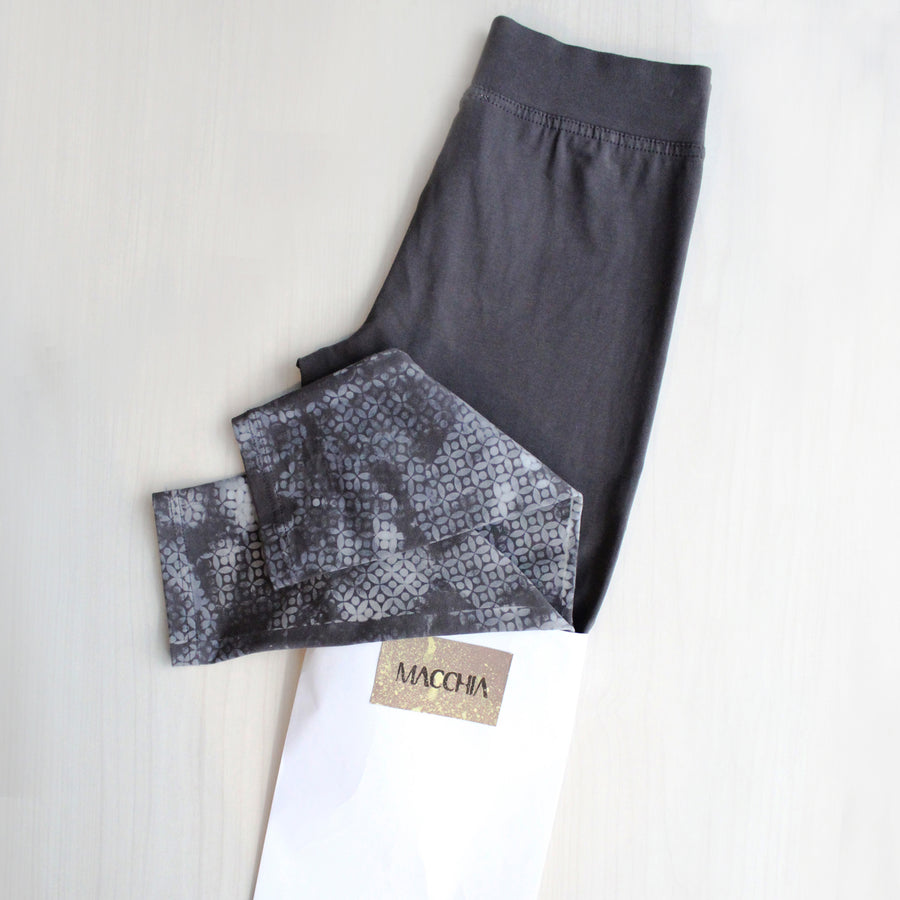 HANDMADE PRINTED LEGGINGS  - Grey Flowers