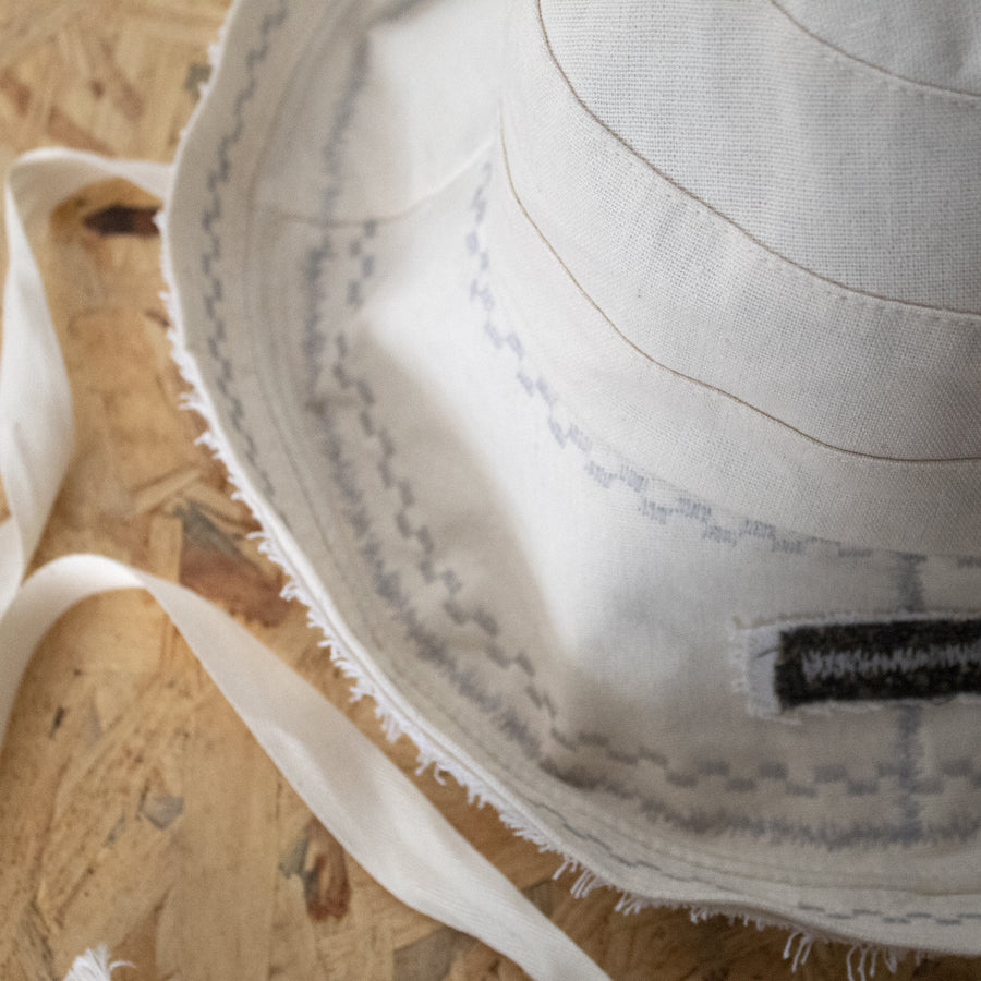 wide brimmed embroidery hat - cream & white