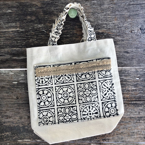 canvas tote with bottom gusset