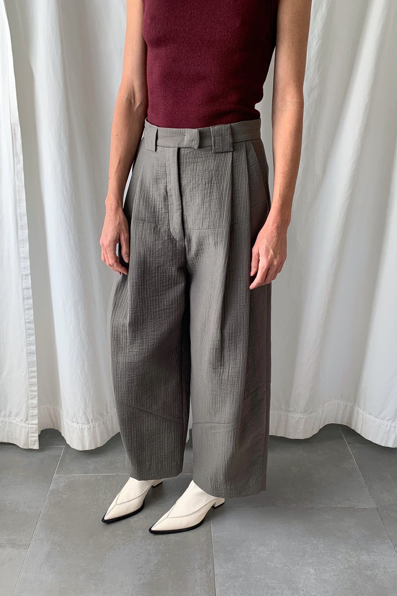 Cropped Divide Pants