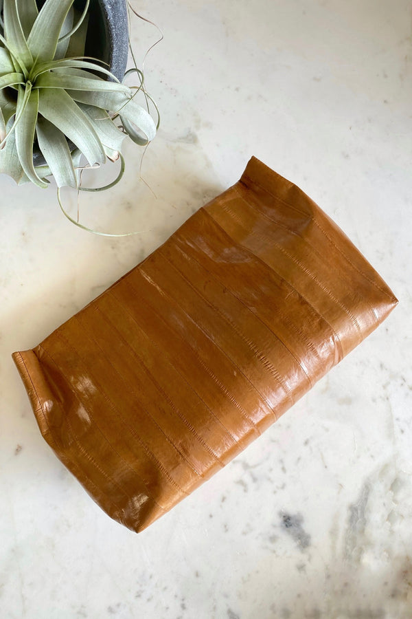 Momo Clutch in Camel