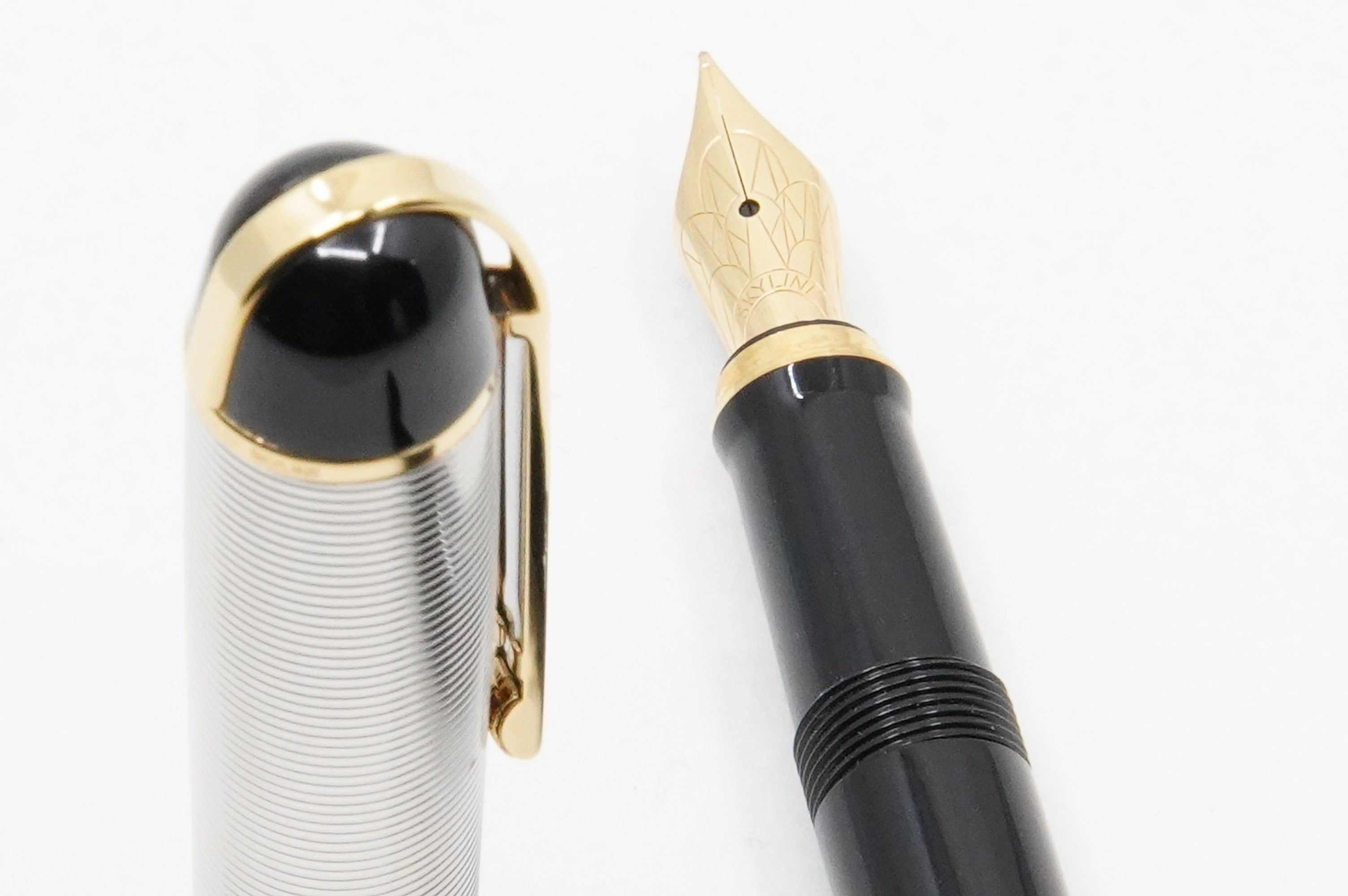 Wahl Eversharp Skyline FP black - The iconic SKYLINE created by Henry Dreyfus in 1939