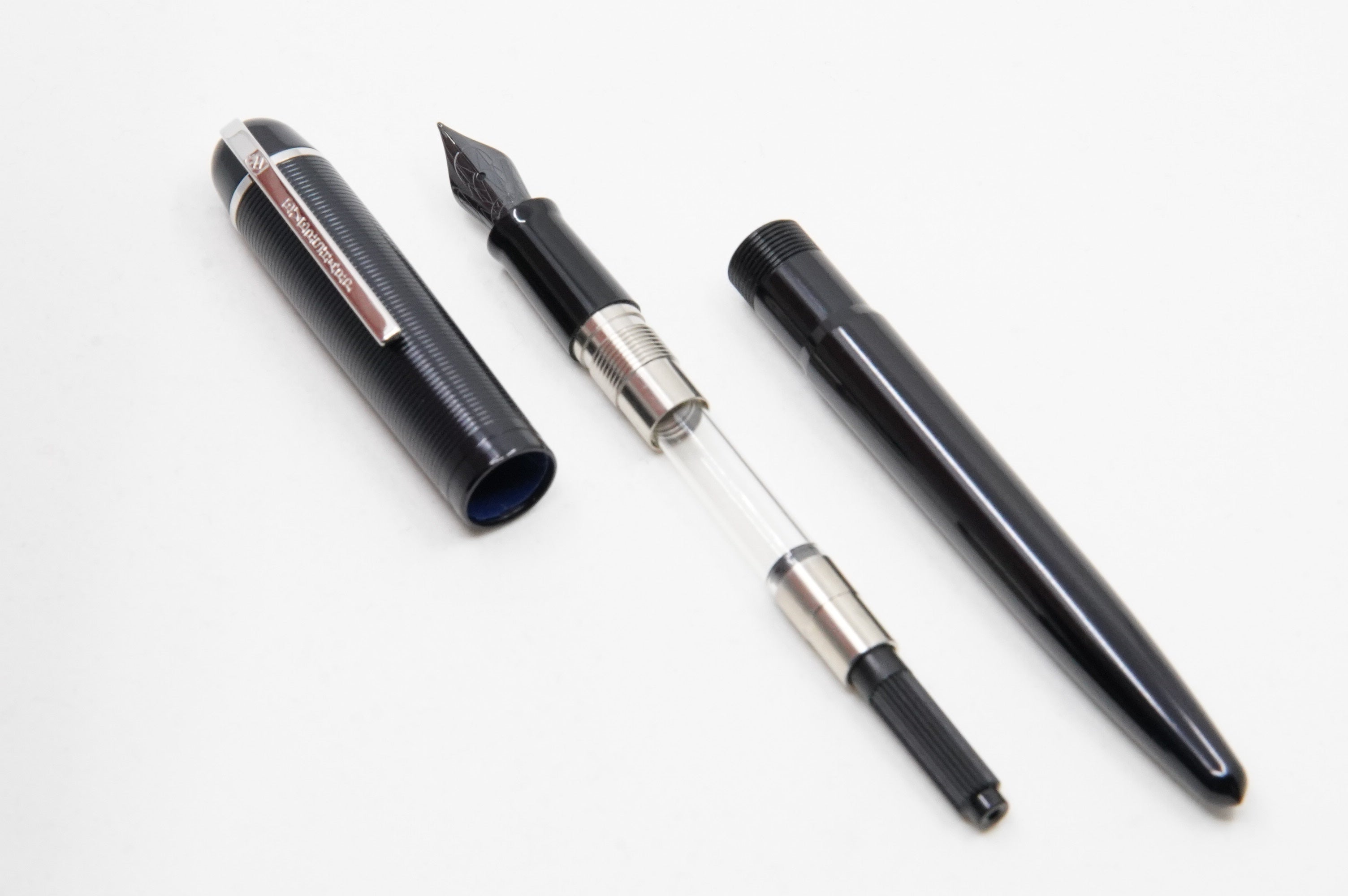 Wahl Eversharp Skyline FP Aluminium black  - The iconic SKYLINE created by Henry Dreyfus in 1939