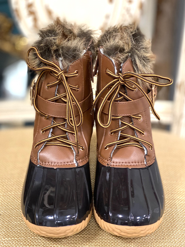 Tan Duck Boot w/Fur Detail