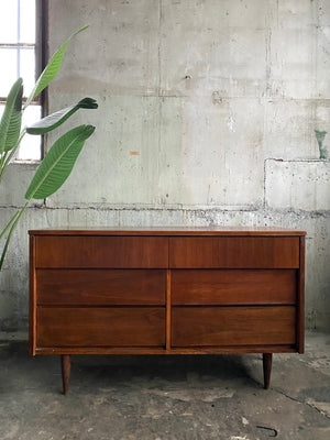 Mid-Century Six Drawer Dresser without Pulls