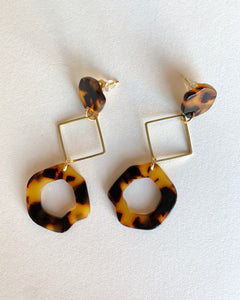 Small Acrylic Studs in Gold
