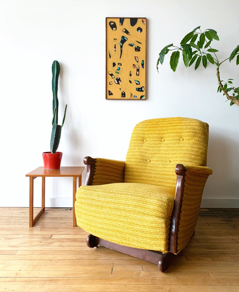 Vintage Rocker in Yellow
