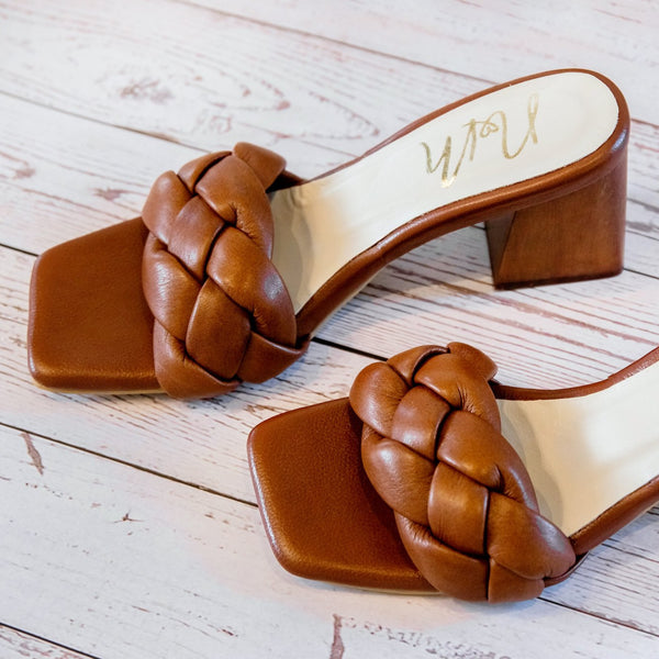 Julie Leather Braids Sandals - Brown ( Pre Orden )