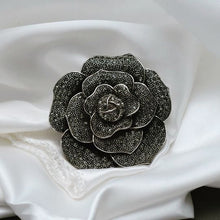 Load image into Gallery viewer, Floral Brooch