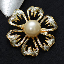 Load image into Gallery viewer, Floral 6 Petal Stone Studded Brooch