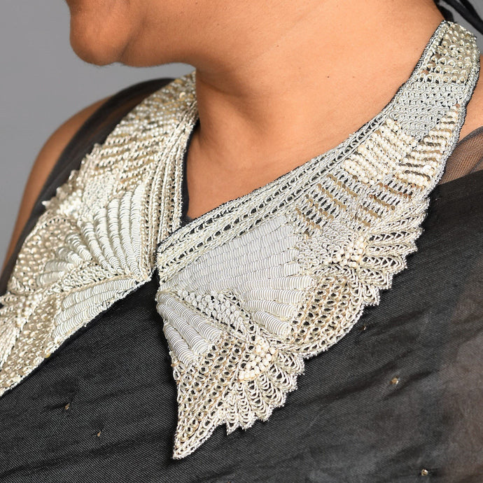 necklace like reusable saree collar