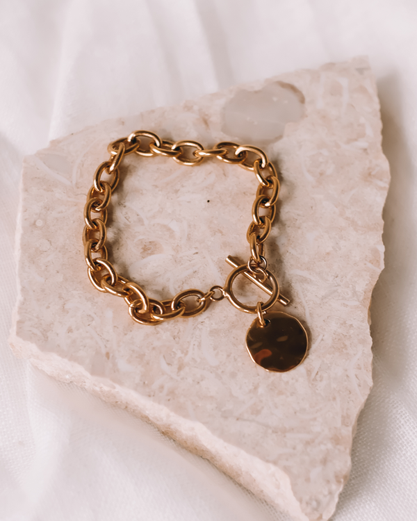 CHARMED GOLD PLATED BRACELET - GOLD