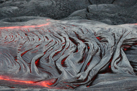 Hiking to the active lava flow, Big Island, Hawaii, USA, photo by Flamine Alary