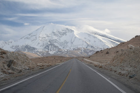 Karakoram Highway on the way from Pakistan to China