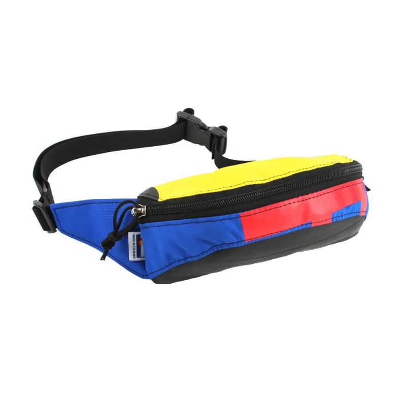 Front view of the hipster hip and handlebar pack
