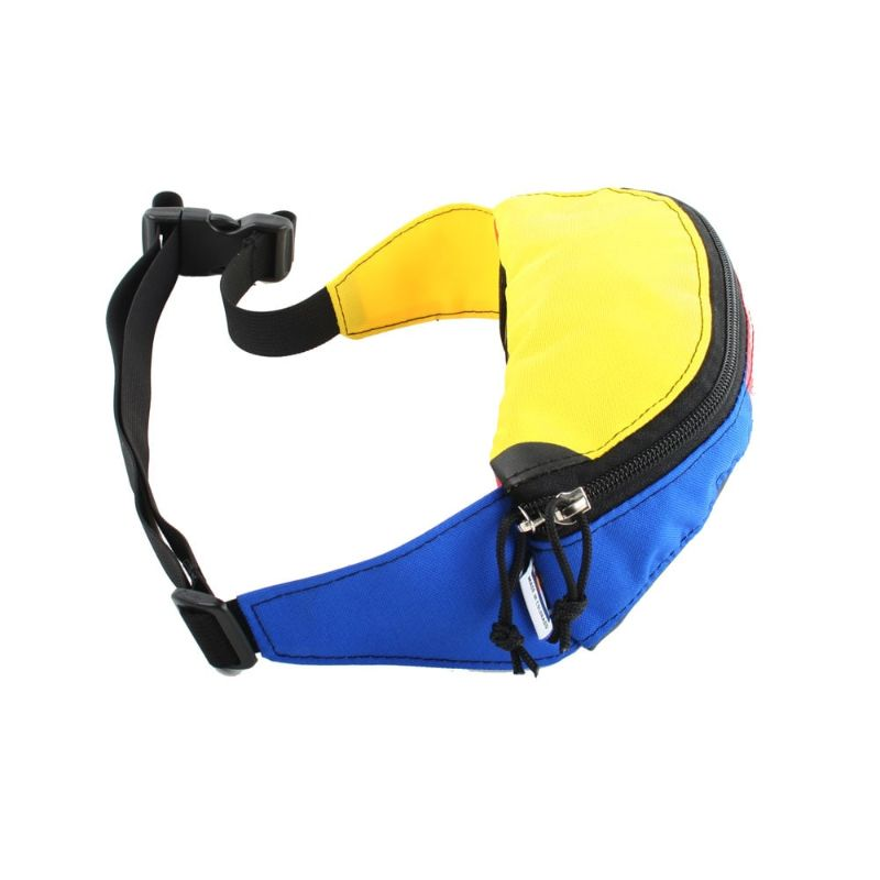 Side view of the hipster hip and handlebar pack