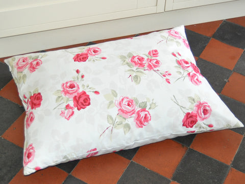Vintage Rose luxury dog bed