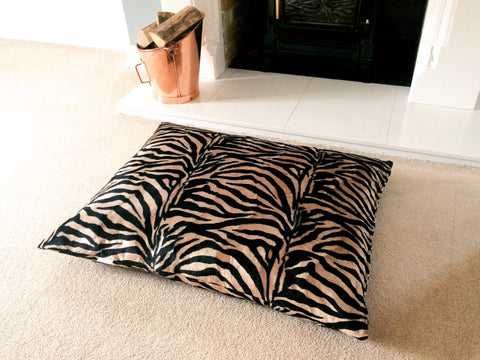 Antelope faux fur luxury dog bed