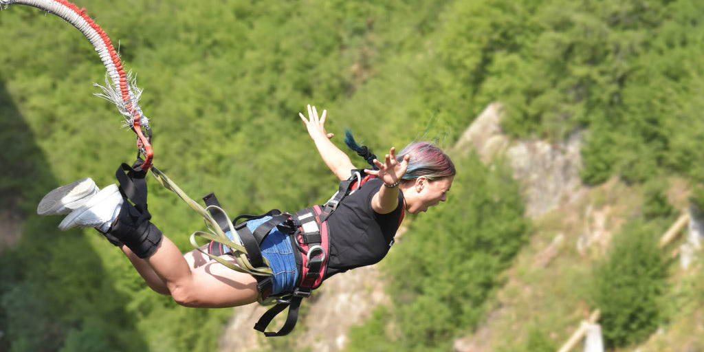 Bungee Jumping In New Zealand: Life Doesn't Get Any Better