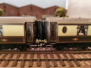 LS-08 Hornby Pullman/Gresley (New Model) Corridor Connection