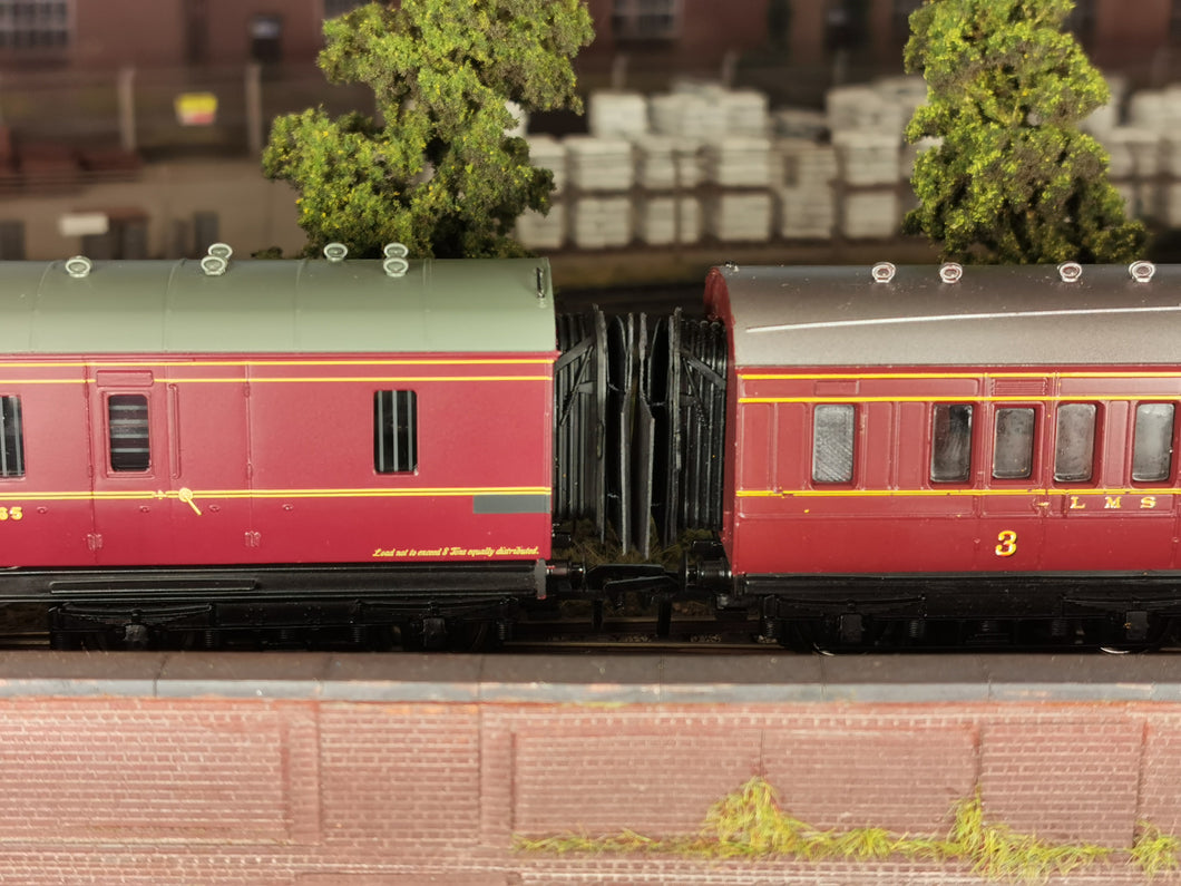 LS-Y3 Bachmann/Replica LMS Period Corridor Connection