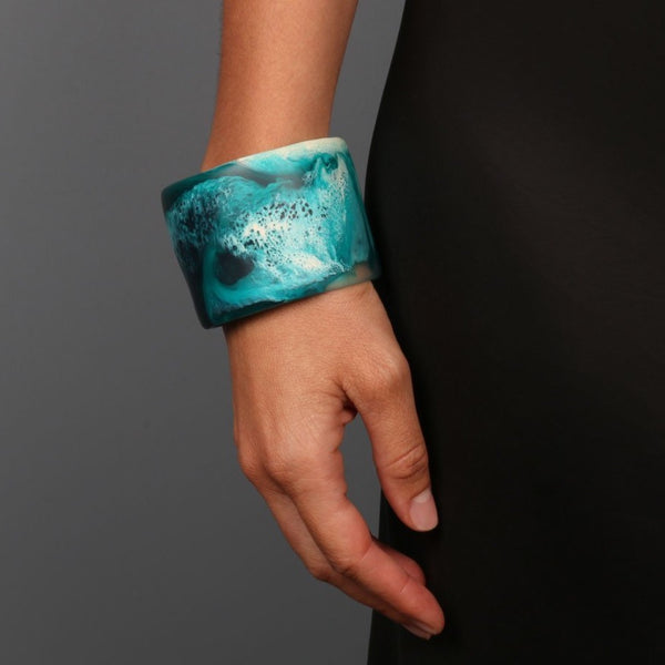 Long Band Bangle in Light Horn - Dinosaur Designs