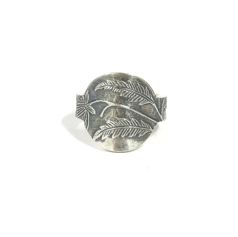 Victorian Round Face Ring - Cynthia Nge