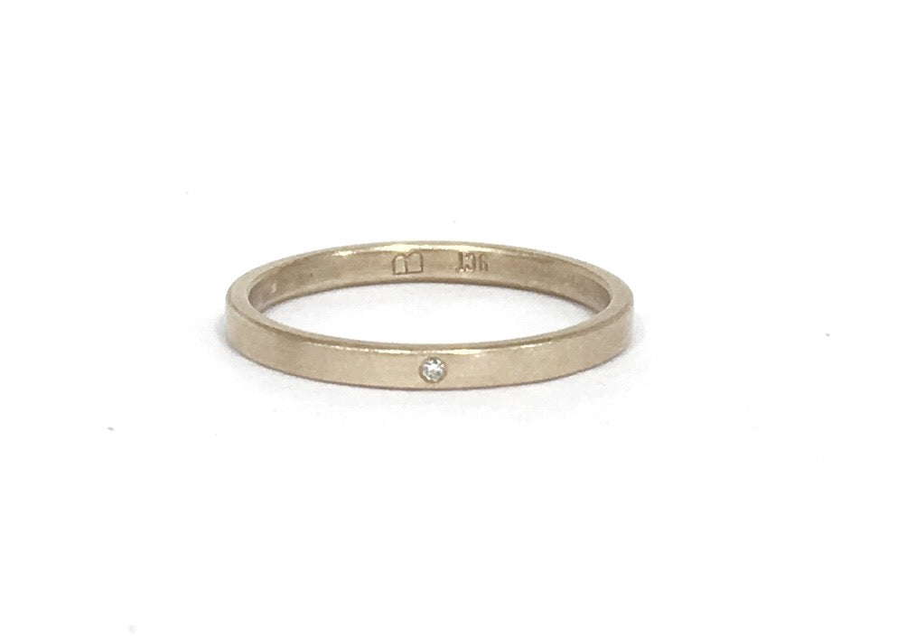 9ct Yellow Gold with diamond plain ring - Ash Hilton