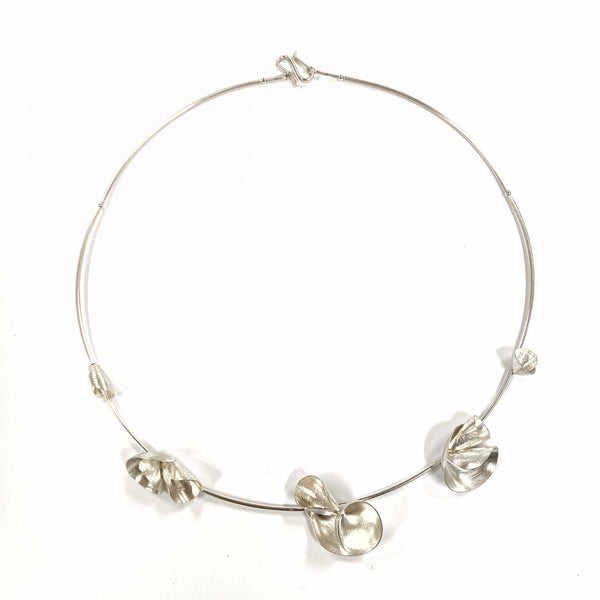 Flower Cones Silver Necklace - Tip to Toe