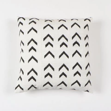 Load image into Gallery viewer, Arrow Print Mudcloth Pillow Covers