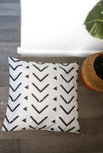 Load image into Gallery viewer, Mudcloth Inspired Pillows - Linen Feel