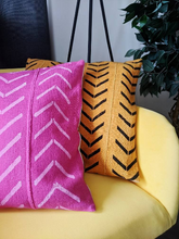 Load image into Gallery viewer, Arrow Design Mudcloth Pillows