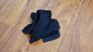 Black silk Knit Pocket Sqaure