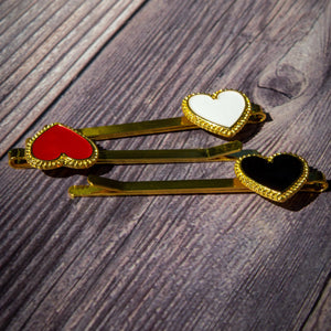 set of hair clips, heart shape white, red, white in gold metal frame