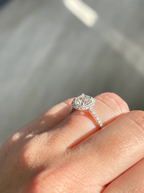 Engagement Ring Wednesday | 0.90 Round H VS2 | Halo Setting - Happy Jewelers Fine Jewelry Lifetime Warranty