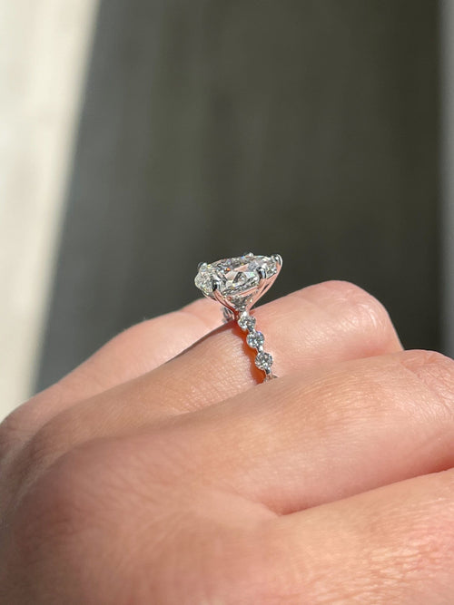 Engagement Ring Wednesday | 2.02 Pear G Color SI1 Clarity - Happy Jewelers Fine Jewelry Lifetime Warranty