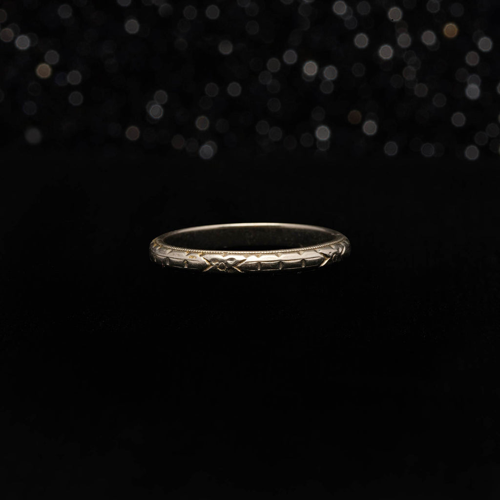 THE WHITE GOLD DECO WEDDING BAND