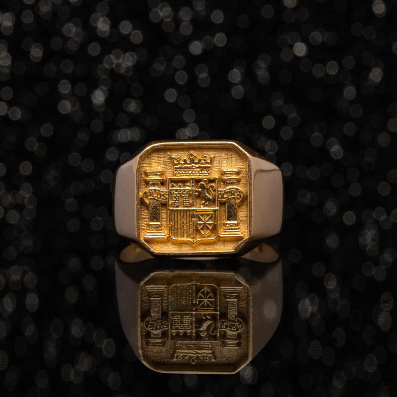 THE PLUS ULTRA SIGNET RING