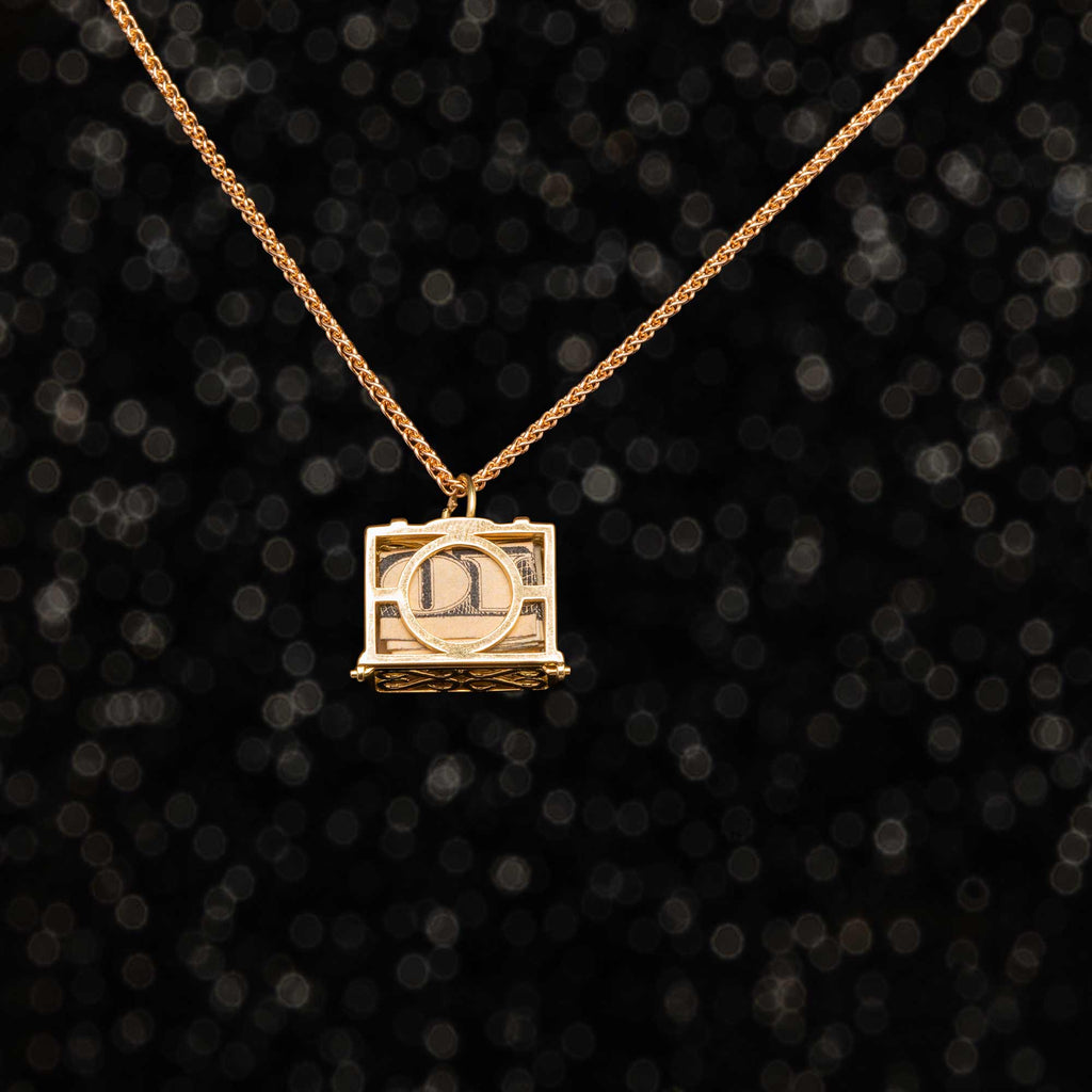 THE VINTAGE MAD MONEY CHARM