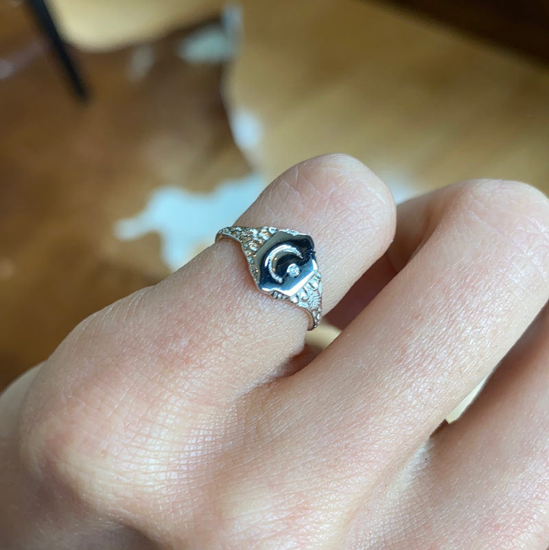 SILVER MOONSTONED PINKY RING